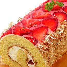 苺畑〜イチゴづくしのロールケーキ